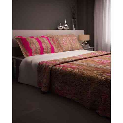 Dark Brown Print Bedsheet With 2 Pillow Covers - Dark Pink